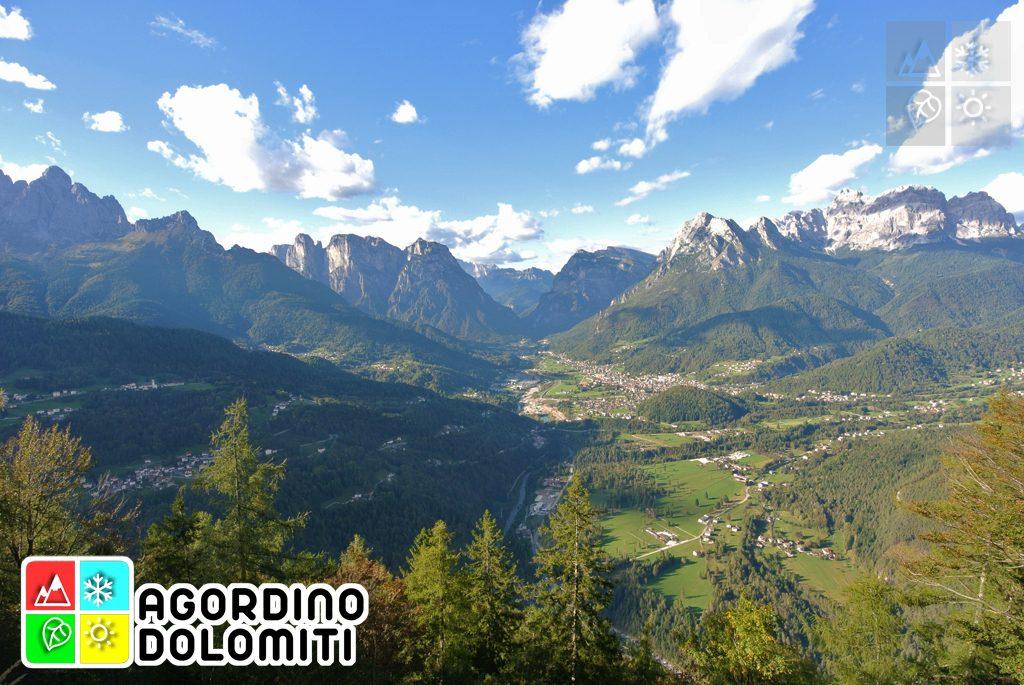 Agordo (e parte di Taibon e La Valle) dal Belvedere del Sasso di San Martino