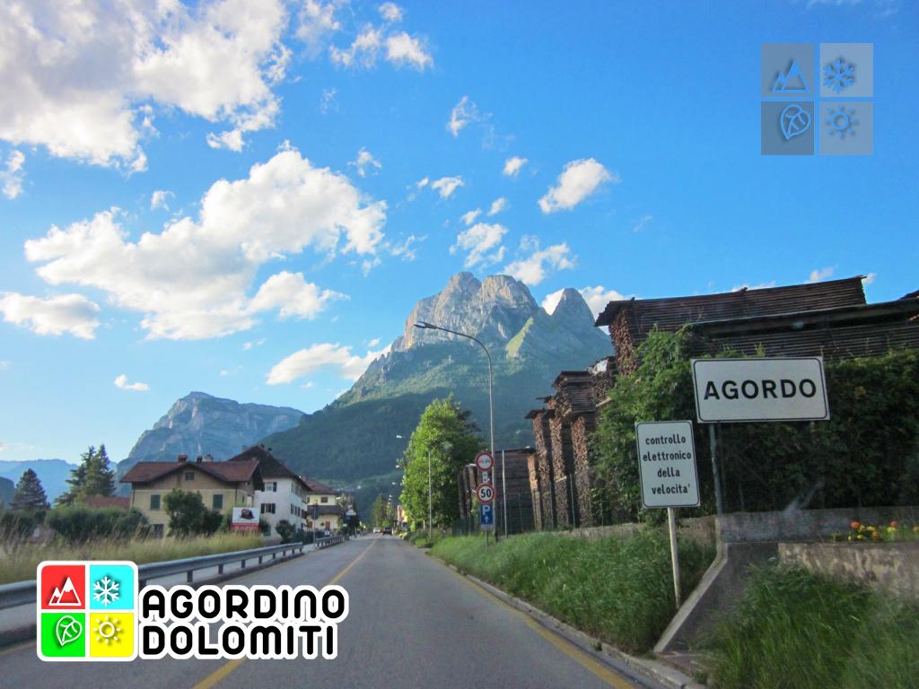I monti Framont (Moiazza) e Pelsa dalla frazione di Pragrande