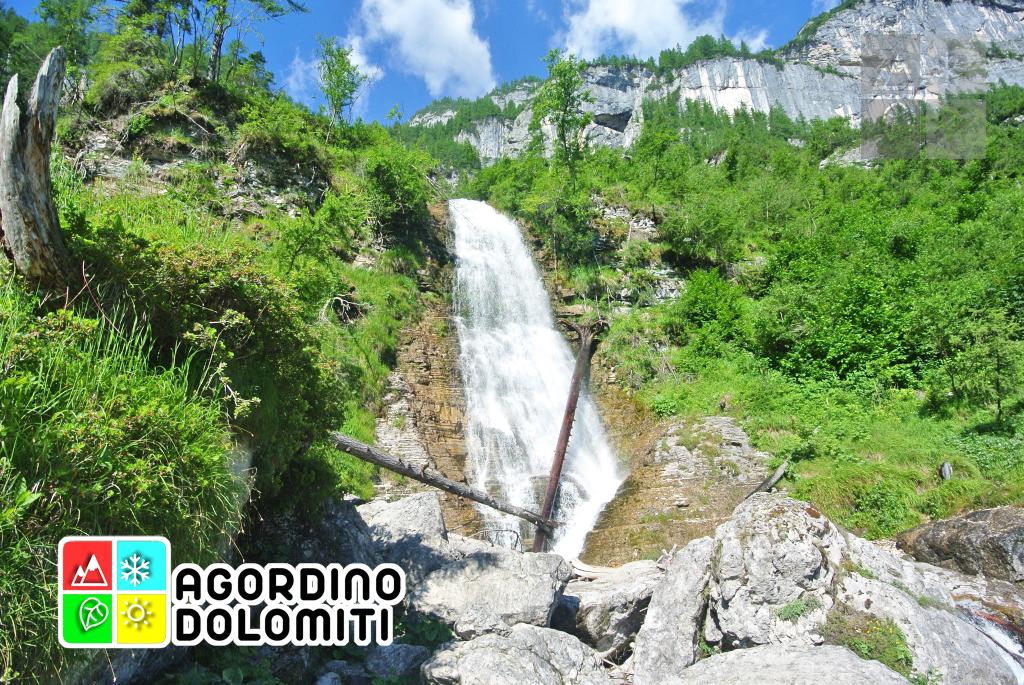 Cascate delle Comelle in Valle di Gares Canale d'Agordo Val Biois Dolomiti