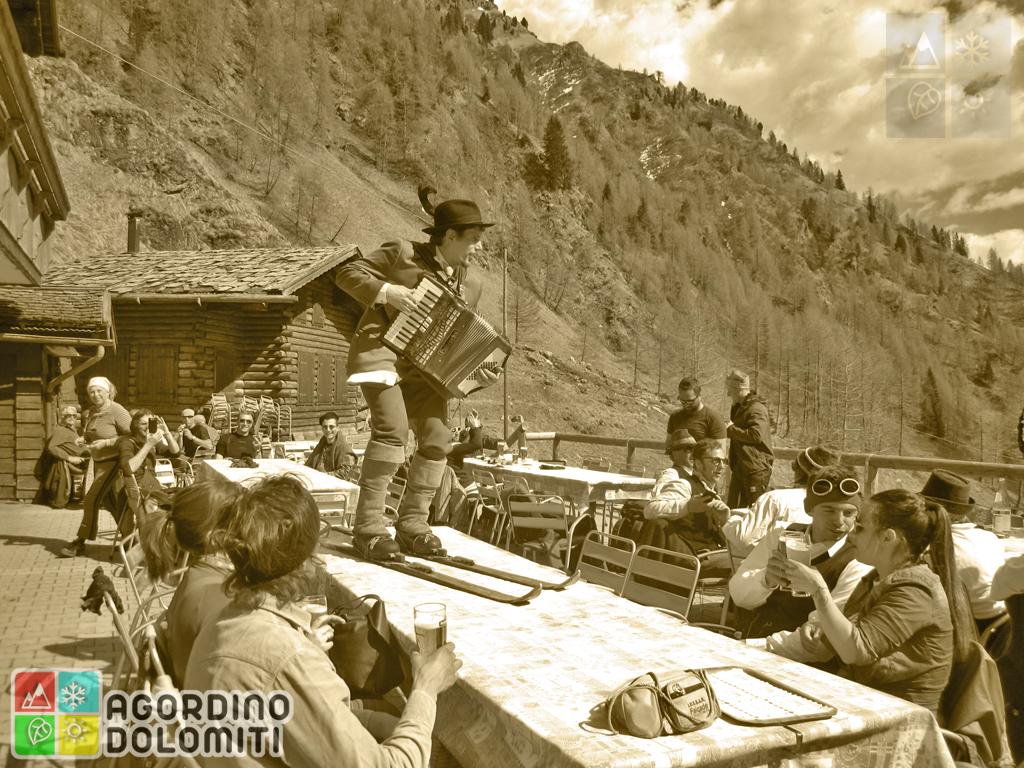 La Sbriseda - Raduno sci Vintage in Marmolada